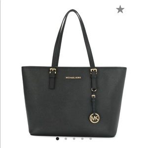 BLACK Michael Kors Jet Set Travel Tote - Medium